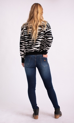 Sweater Zebra en internet