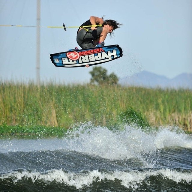 Tabla Wakeboard Hyperlite Vagabond 142