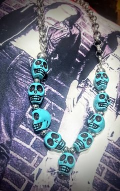 collar calaveras y acero exclusivos en internet