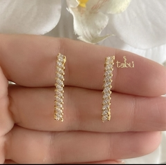 EAR HOOP 1 LINE GOLD