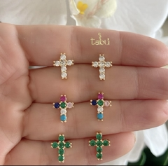 ARETES CROSS WHITE o COLORS o EMERALD