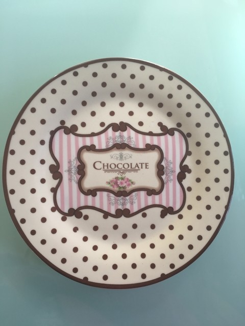 PLATO 20 CM CHOCOLATE Y ROSA en internet
