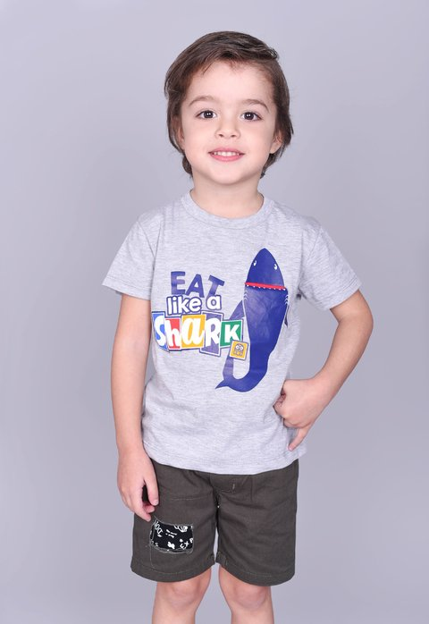 Remera EAT SHARK en internet