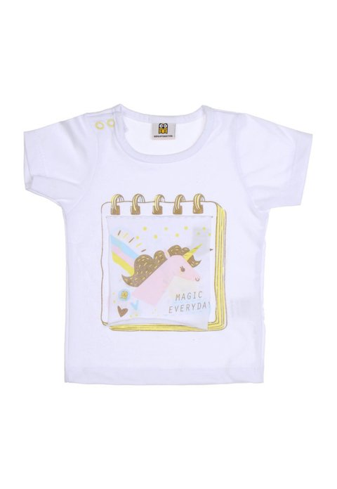 Remera libro unicornio en internet