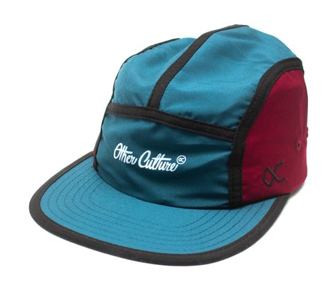 Other Culture bone five panel petróleo e vinho - Featured