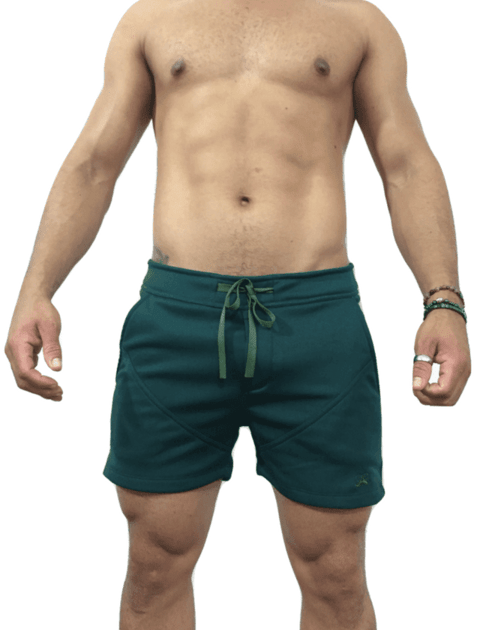 Short de moletom verde.