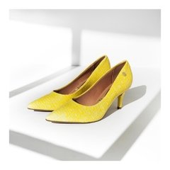 Stiletto Bajo Amarillo Croco en internet