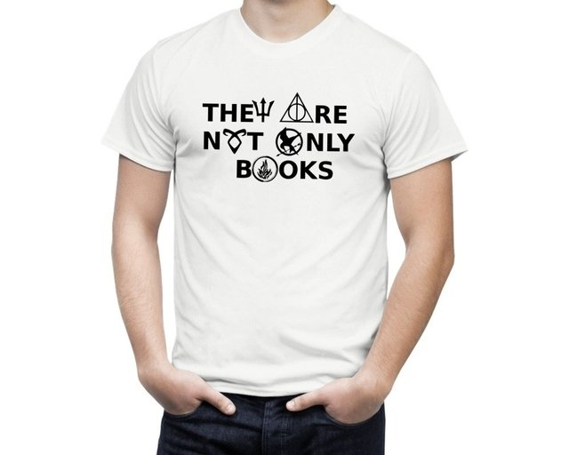 Camiseta They Are Not Only Books - comprar online