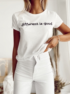 REMERA DIFFERENT en internet