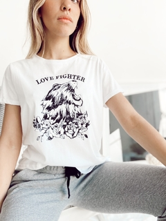 REMERA LOVE FIGHTER en internet