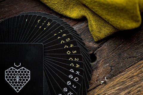 Baraja Killer Bee Playing Cards Ellusionist