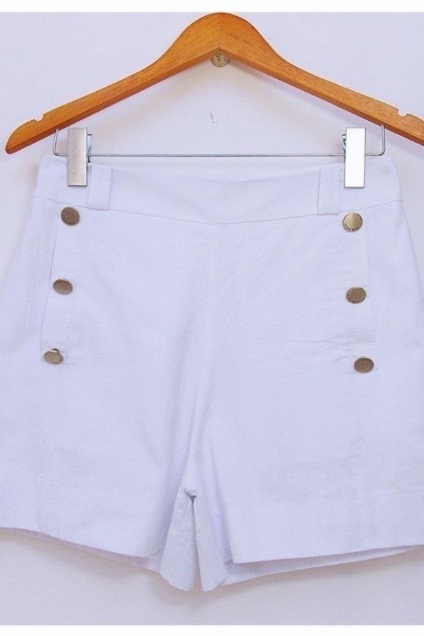 Shorts Jeans Botão Branco. Cor  Branco 2a07a0546fcaf