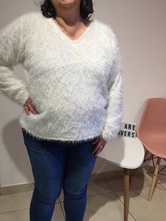 Sweater moño peludito - We are Lovers Indumentaria Talles Grandes