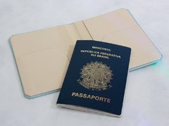Capa para Passaporte All You need is Travel - loja online