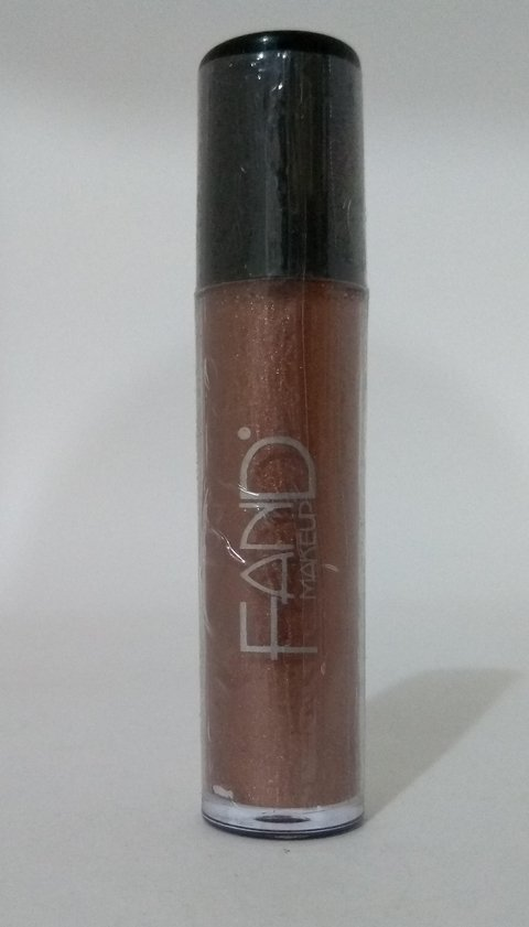 FAND MAKE UP - Batom Líquido cintilante Causando inveja