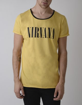 Remera Nirvana en internet