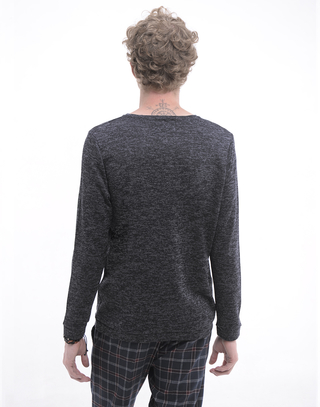 Sweater Moody en internet