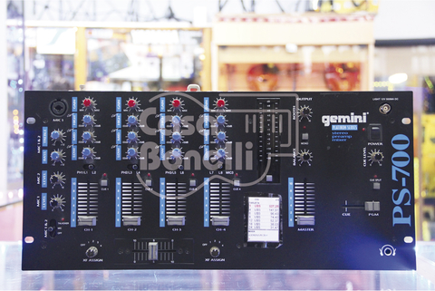 PS-700 Gemini Consola Remix