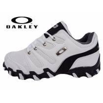 ccf0d453c10 Tenis Oakley Masculino Caveirão Teeth Square Branco