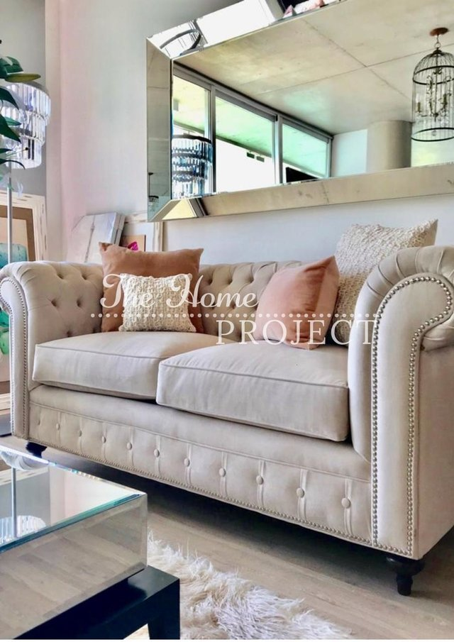 SOFA CHESTERFIELD - 40% OFF EN EFECTIVO