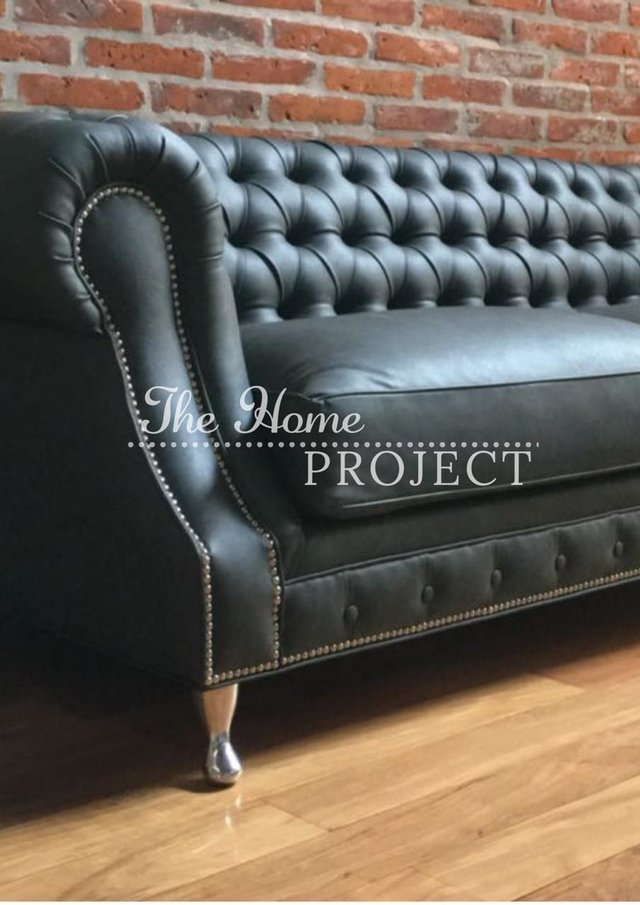 SOFA CHESTERFIELD BRAZO CURVO