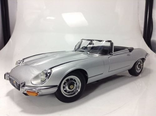 Jaguar E Type V12 Auto Art 1/18