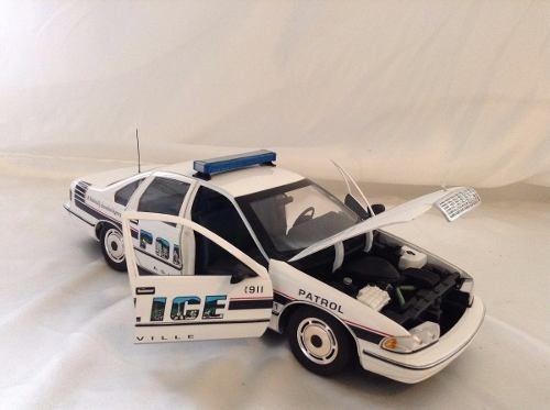 Chevrolet Caprice Asheville Police Car Ut 1/18 - B Collection