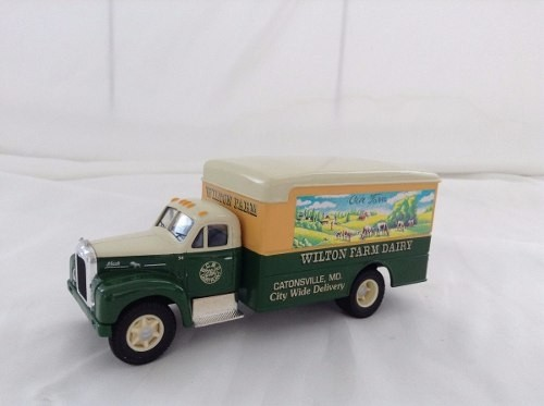 Mack B Series Van Wilton Farm Corgi 1/50
