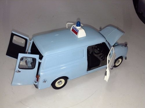 Mini Cooper Police Van Kyosho 1/18 - B Collection
