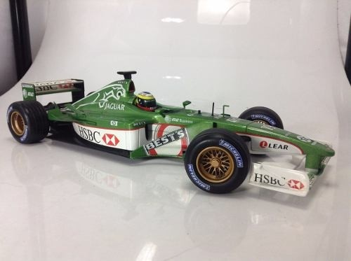 Jaguar R2 Pedro De La Rosa Hot Wheels 1/18 - B Collection
