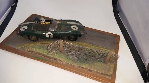Diorama Jaguar E Type 1/18 - B Collection
