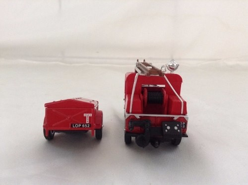 Land Rover Auxiliary Matchbox Collectibles 1/43 na internet