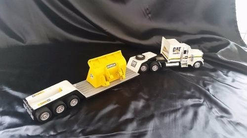 Peterbilt 379 Caterpilar New Ray 1/32 - loja online