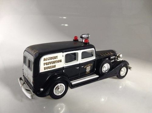 Cadillac V16 1933 Police Matchbox Collectibles 1/43 - B Collection