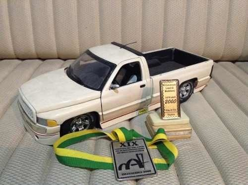 Imagem do Dodge Ram Custom Ertl 1/18