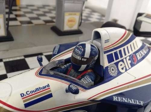 Williams Fw16 David Coulthard Minichamps 1/18 - loja online