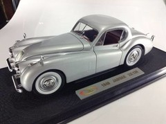 Jaguar XK120 (1949) - SIGNATURE MODELS 1/18