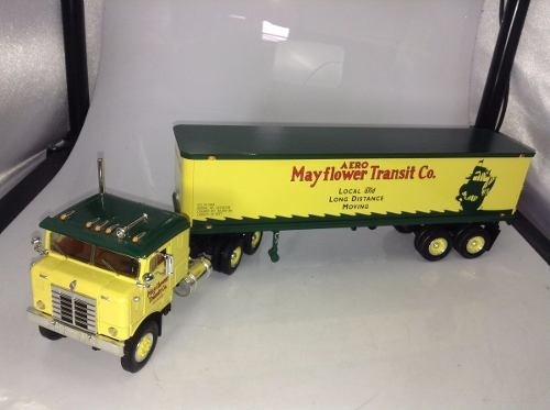 Kenworth Bull-nose 1953 First Gear 1/34 - B Collection