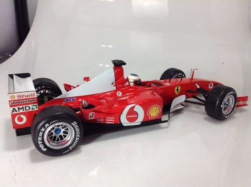 Ferrari F2002 Schumacher Hot Wheels 1/18 - B Collection