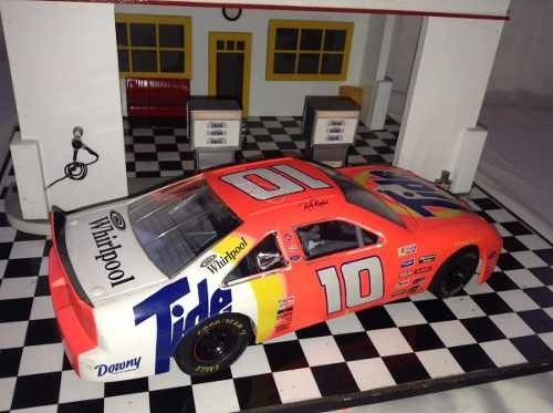 Nascar Thunderbird Racing Champions 1/18 - B Collection