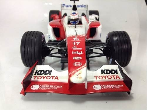 Toyota Tf104 O.panis Minichamps 1/18 - comprar online