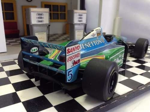 Benetton B194 Schumacher Minichamps 1/18 na internet