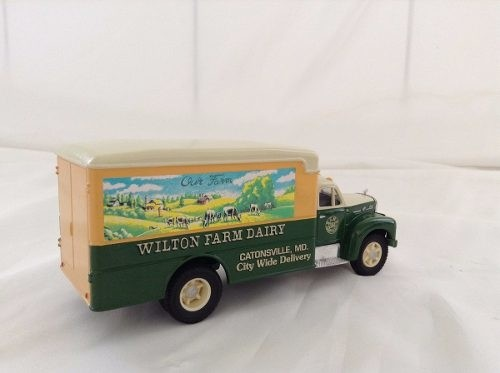 Mack B Series Van Wilton Farm Corgi 1/50 - B Collection