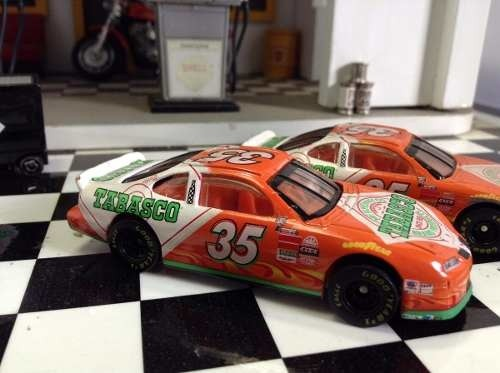 Lote Nascar Tabasco Hot Wheels 1/64 na internet