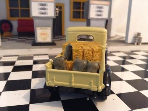 International C Series 1934 Matchbox 1/43 na internet