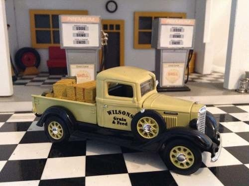 International C Series 1934 Matchbox 1/43 - loja online
