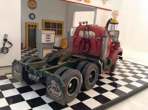 Mack Model B-61st  First Gear 1/25 na internet