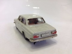 Volvo Grand Luxe 144 - Brooklin Models 1/43 na internet
