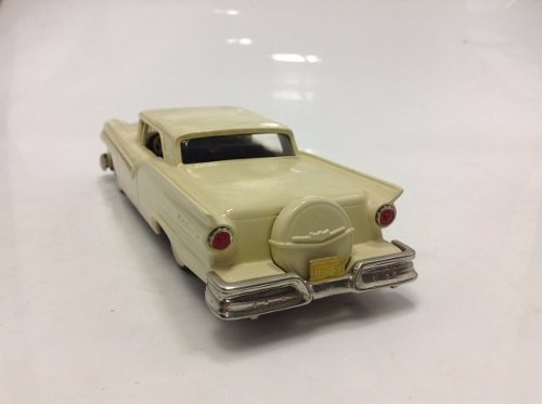 Ford Fairlane Skyliner 1957 Brooklin Models 1/43 na internet