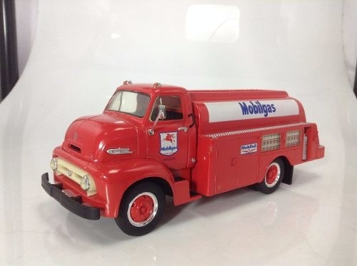 Ford C-600 First Gear 1/34